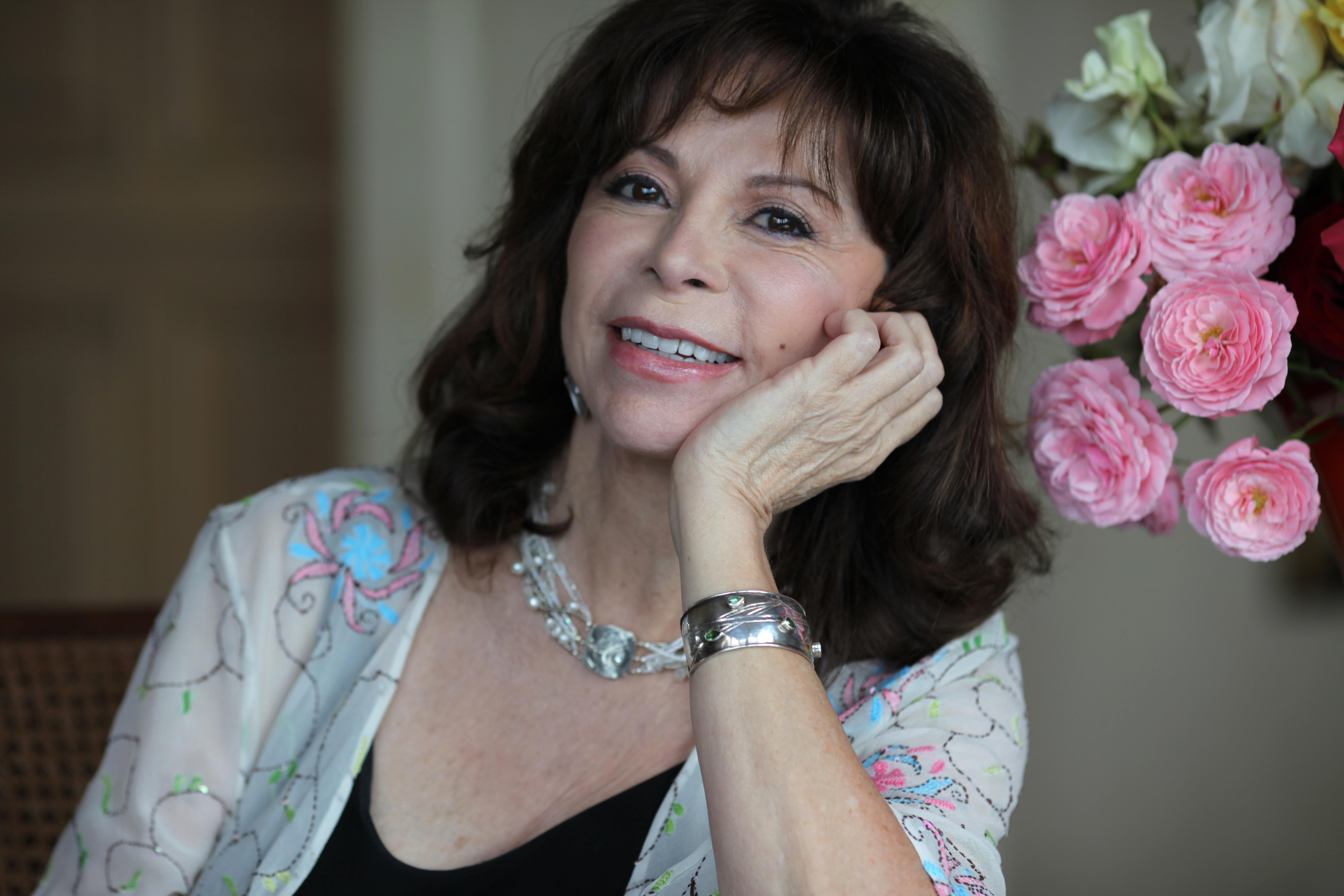 """Isabel Allende: """"Scriu pentru că dacă n-aș scrie, inima mi s-ar usca!"""""""