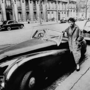 """""""Banii nu cumpără fericirea, dar mai bine plâng într-un Jaguar decât într-un autobuz"""""""