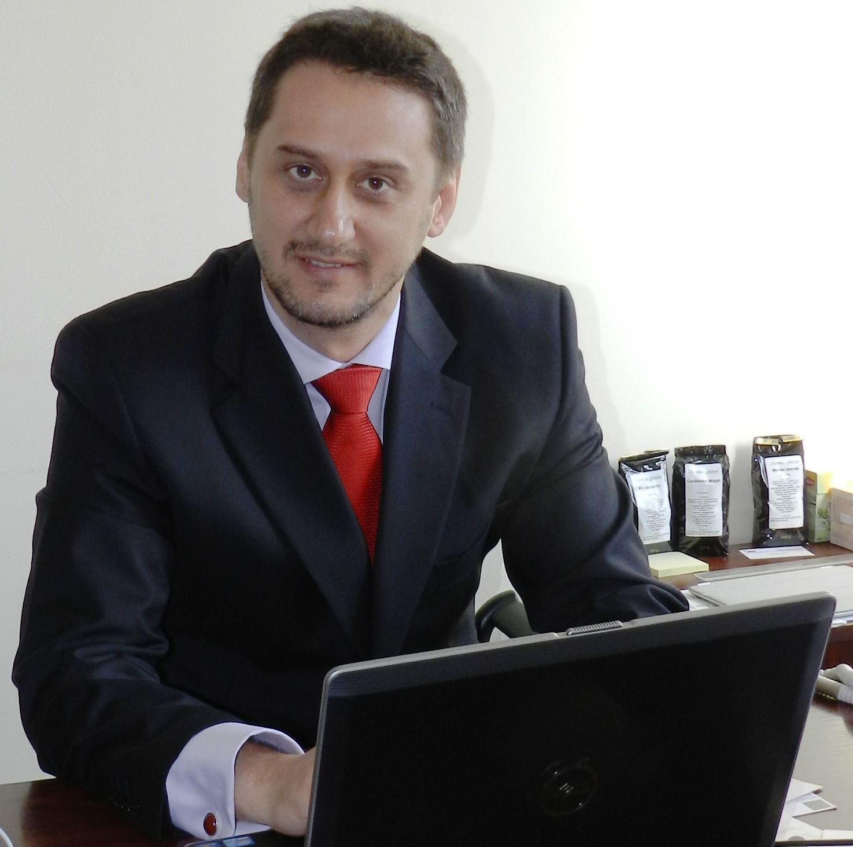 Uniunea Editorilor din România are un nou preşedinte. Mario Demezzo îl înlocuieşte pe Mihai Penescu