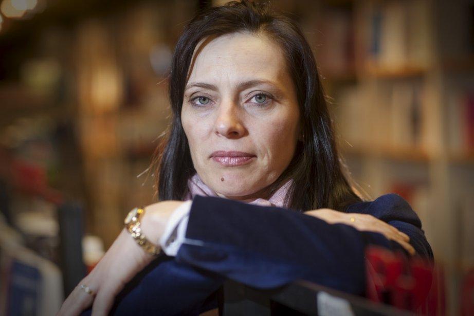 """Liliana Lazăr: """"Scrisul este pentru mine o lume paralelă în care îmi place să mă rătăcesc"""""""
