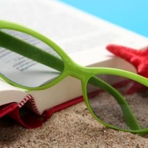 Zece cărți cool de luat în vacanță
