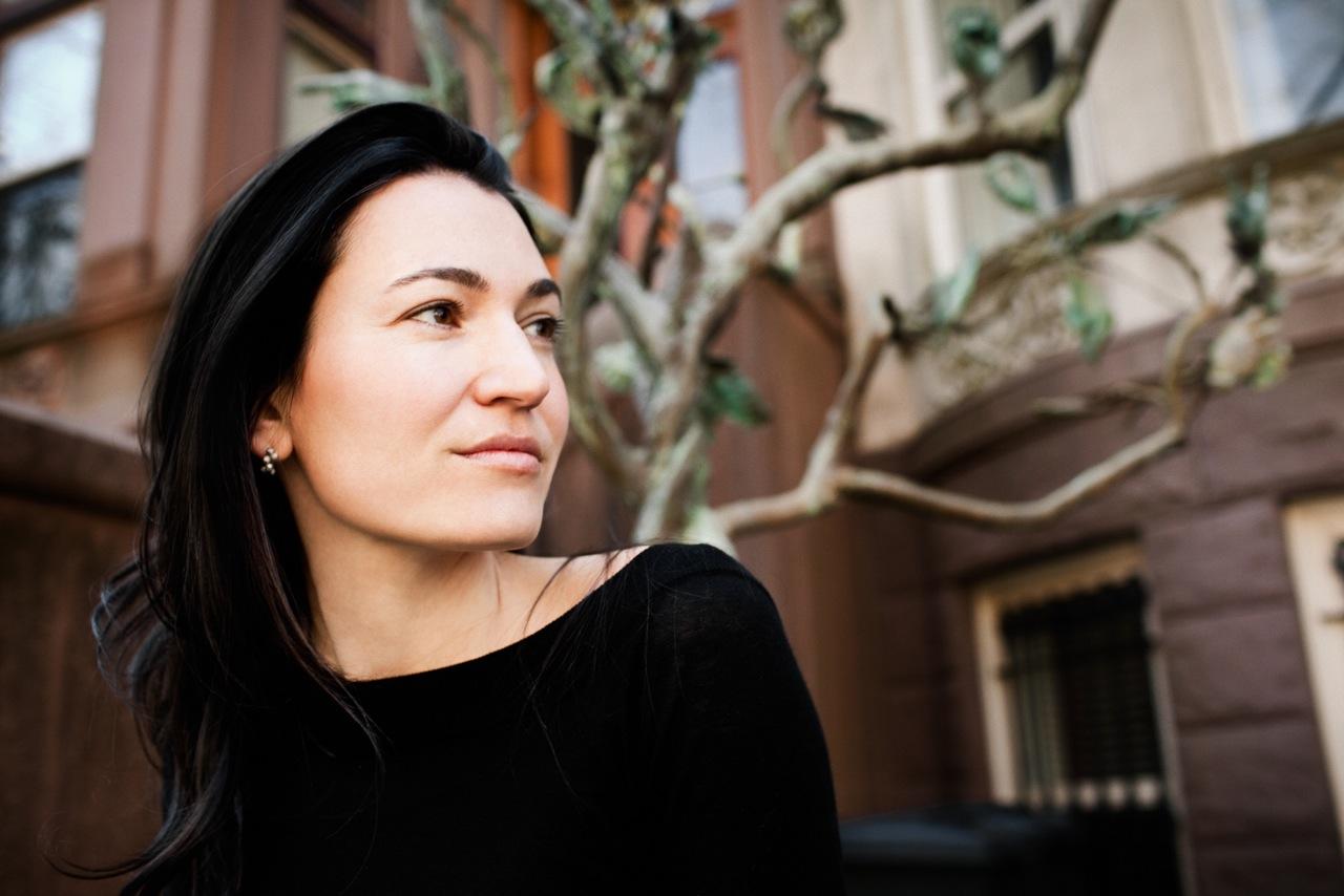 """Nicole Krauss: """"Mă interesează muzicalitatea cuvintelor. Cred că voi fi diferită la fiecare carte"""""""