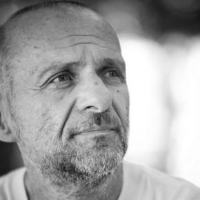 """Radu Aldulescu: """"Scrierea unui roman, asemenea iubirii, este o muncă de zi cu zi"""""""
