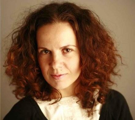 """Corina Sabău: """"Dacă ai chef să laşi în urmă lumea asta, o carte are de cele mai multe ori efect"""""""
