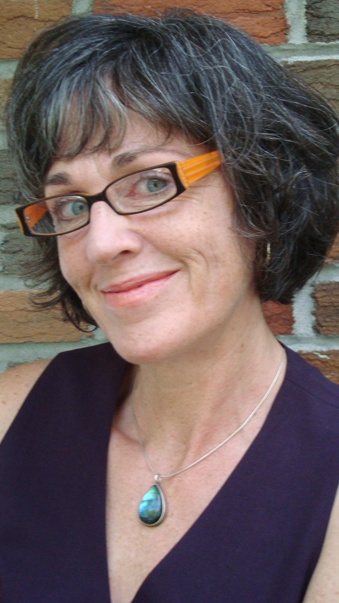 """Kathleen Winter: """"Mă recomand scriitoare încă de pe când aveam patru ani"""""""