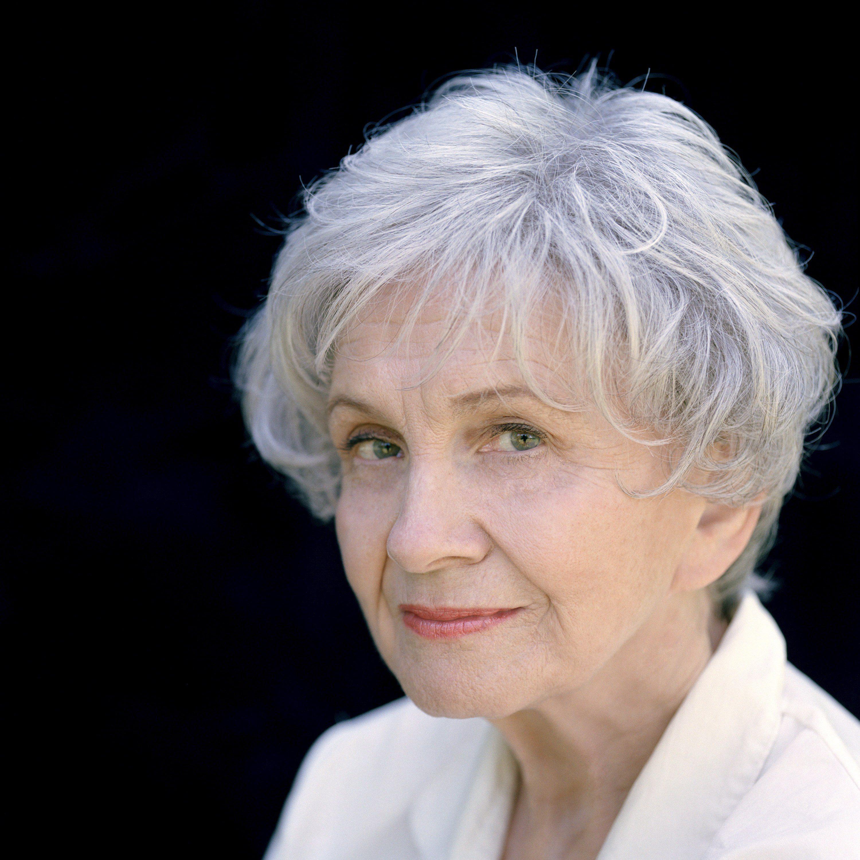 Alice Munro – câștigătoare a Premiului Nobel pentru literatură!