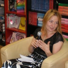 Alexandra Ares: 10 + 10 recomandări de lectură