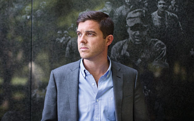"""Kevin Powers: """"Viețile interioare ale soldaților nu au fost cercetate la fel ca faptele lor"""""""