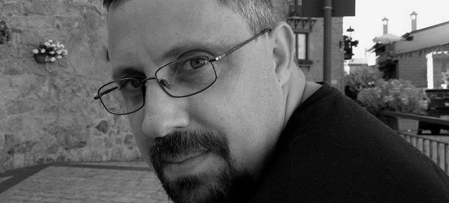 """Dan Lungu: """"Romanul poate fi văzut și ca o sofisticată cutie muzicală, pe multe voci"""""""